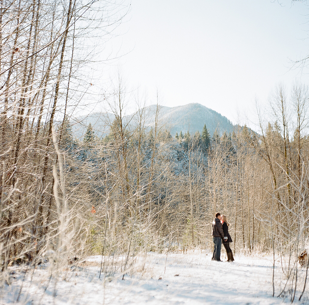 joe-and-patience-mt-baker-film-engagement-photography007