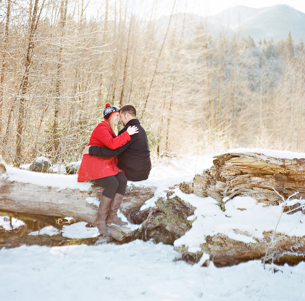 joe-and-patience-mt-baker-film-engagement-photography009